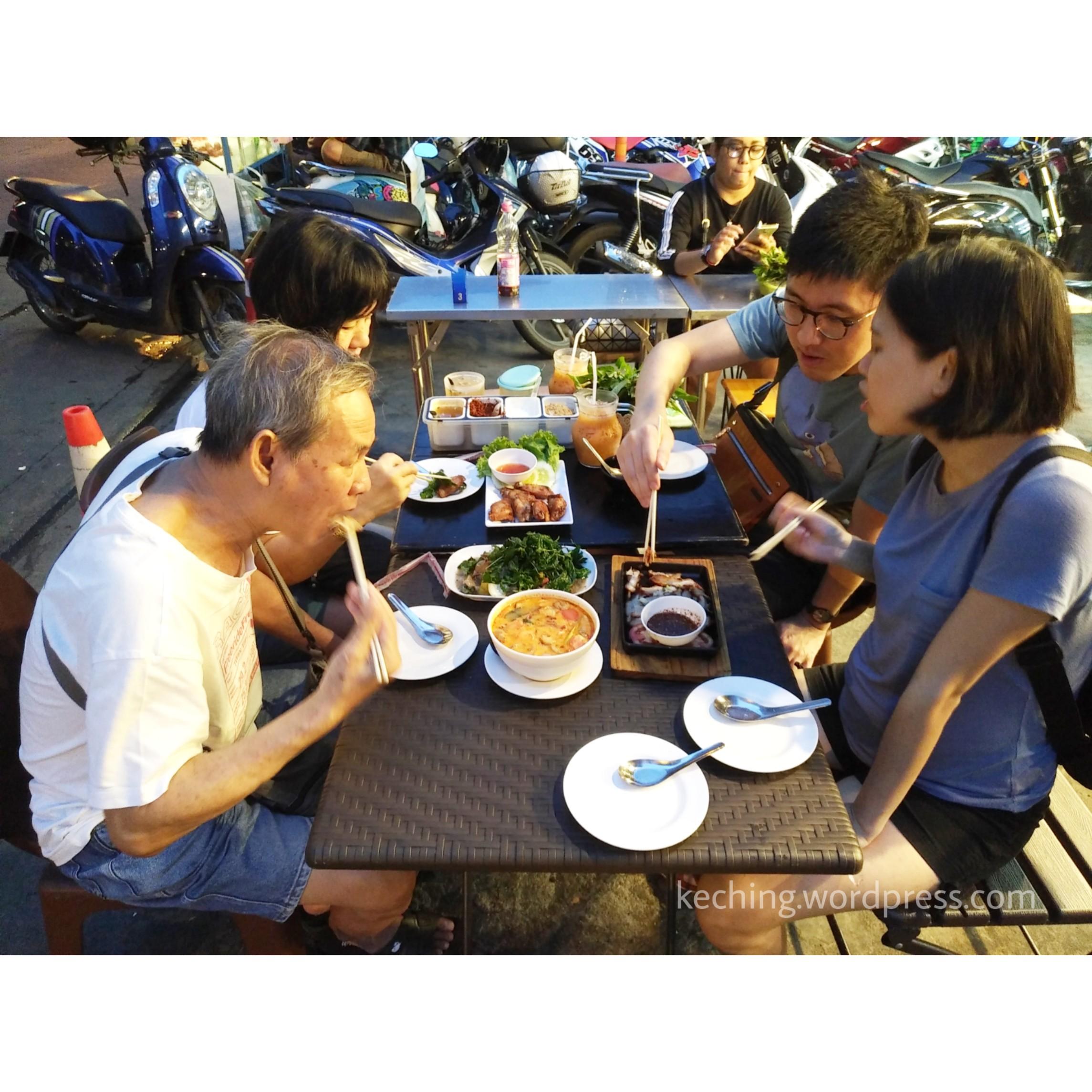bangkok roadside food